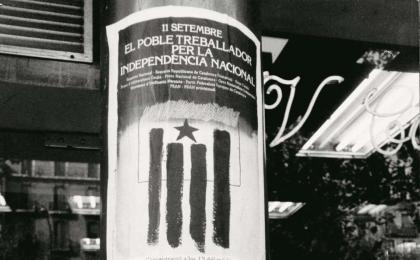Dos cartells que anuncien els actes de l'Onze de Setembre de 1977. Pau Oliva. AFB.