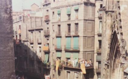 Concentració al Fossar de les Moreres. 11-09-1977. AFB.