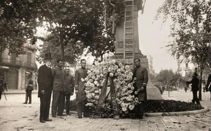 Ofrenda del presidente de la Diputación de Barcelona. 11-09-1930. J. Domínguez. AFB.